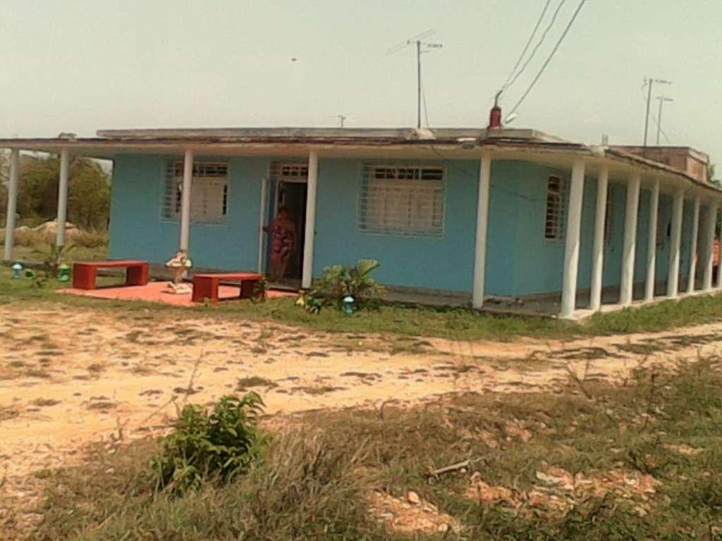 Casa en venta en Santiago de Cuba con  6 cuartos y 3 baños por $ 500.000