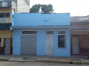 Casa en venta en Cienfuegos con  3 cuartos, 2 baños y 1 garaje por 70.000,00$