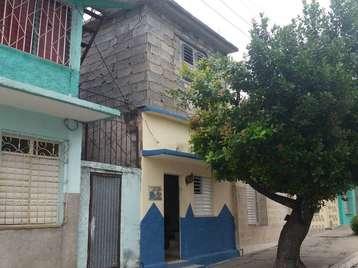 Casa en venta en Cienfuegos con  4 cuartos y 2 baños por 23.000,00$