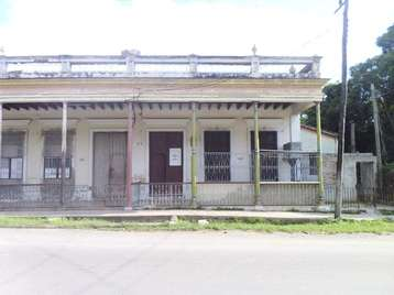 Casa en venta en Cienfuegos con  5 cuartos y 2 baños por 27.000,00$