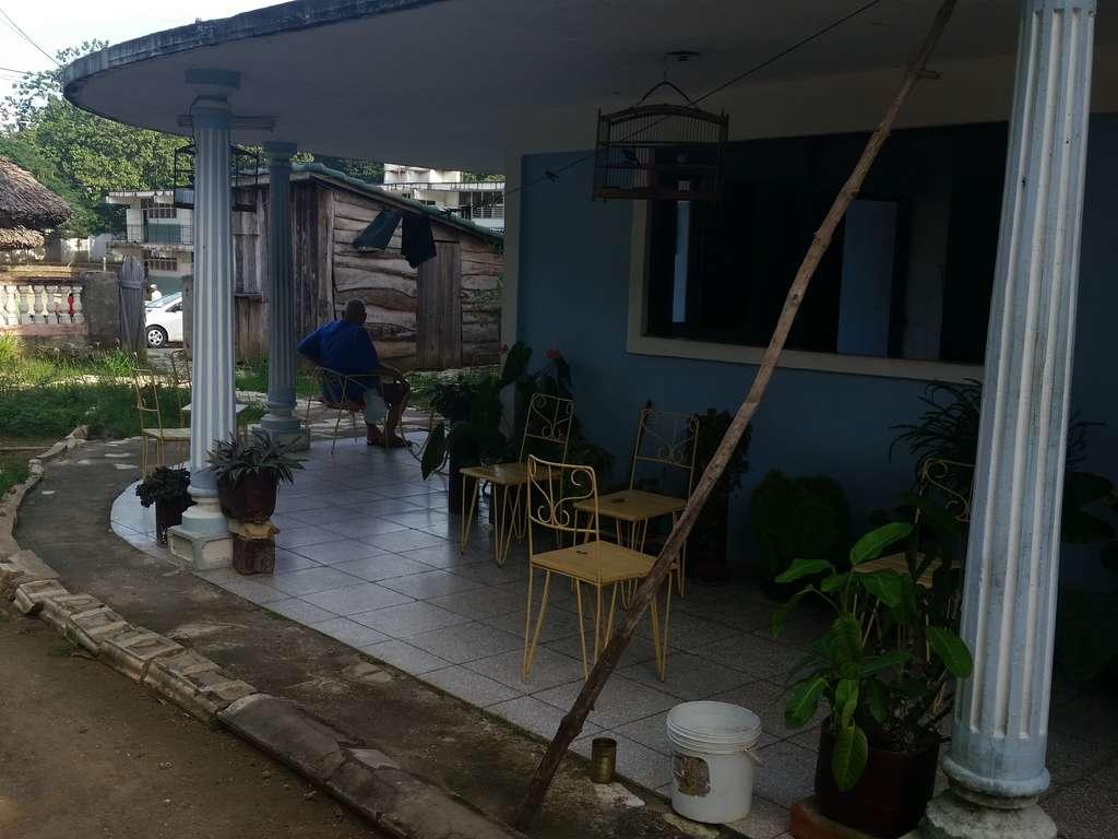 Casa en venta en Cienfuegos con  3 cuartos y 3 baños por $ 50.000