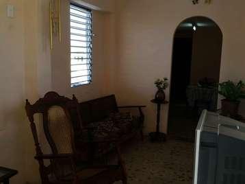 Casa en venta en Cienfuegos con  2 cuartos y 1 baño por 13.000,00$