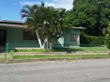 Casa en venta en Cienfuegos con  3 cuartos y 2 baños por Precio ajustable