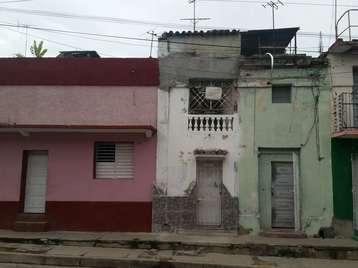Casa en venta en Cienfuegos con  1 cuarto y 1 baño por 13.000,00$
