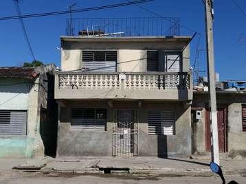 Casa en venta en Cienfuegos con  3 cuartos y 2 baños por 18.000,00$