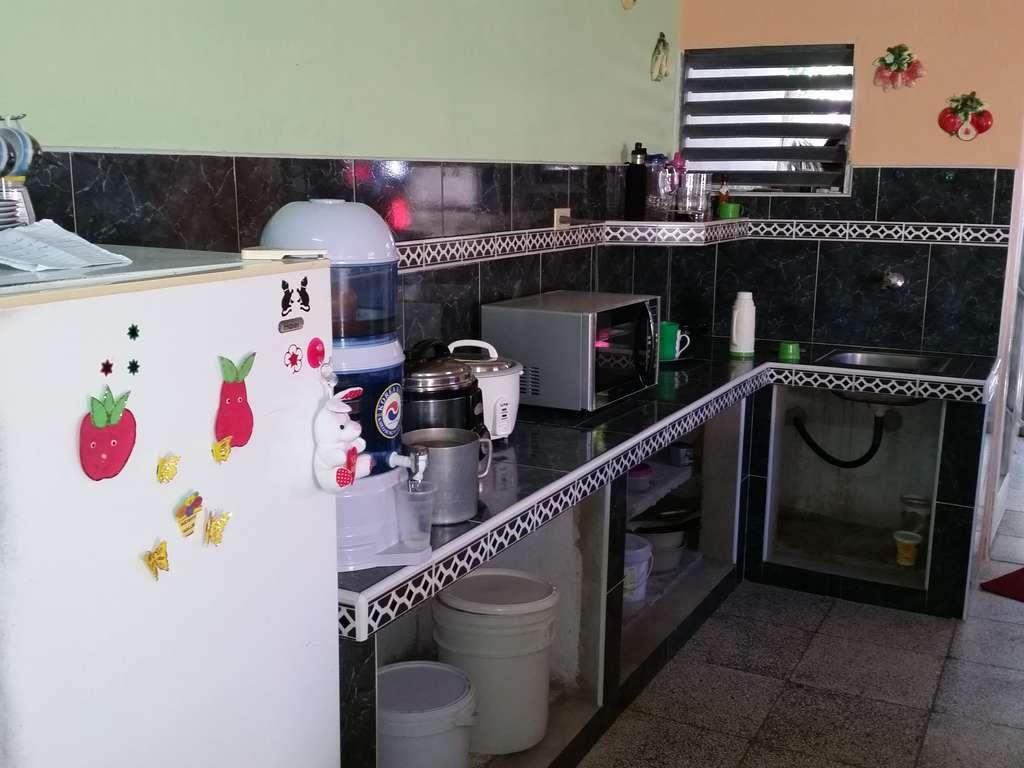 Hec540 casa en venta en cienfuegos con 2 cuartos y 1 ba o - Cocinas con salida al patio ...