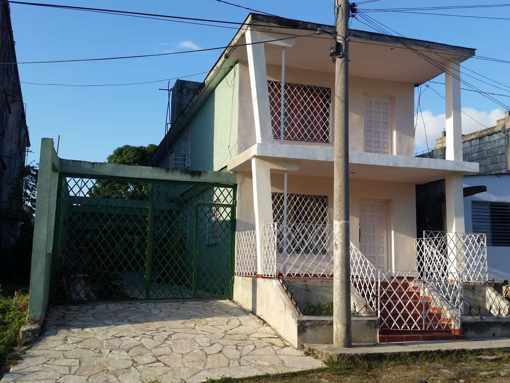 Casa en venta en Cienfuegos con  3 cuartos y 2 baños por $ 80.000