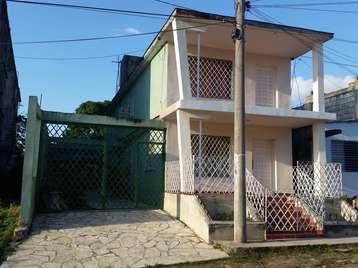 Casa en venta en Cienfuegos con  3 cuartos y 2 baños por 80.000,00$