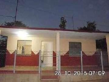 Casa en venta en Cienfuegos con  3 cuartos y 2 baños por 12.000,00$