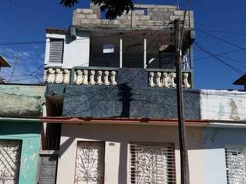 Casa en venta en Cienfuegos con  2 cuartos y 2 baños por 13.000,00$
