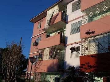 Apartamento en venta en Cienfuegos con  3 cuartos y 1 baño por 15.000,00$