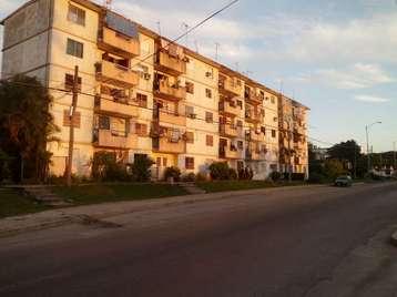 Apartamento en venta en Cienfuegos con  3 cuartos y 1 baño por 10.000,00$