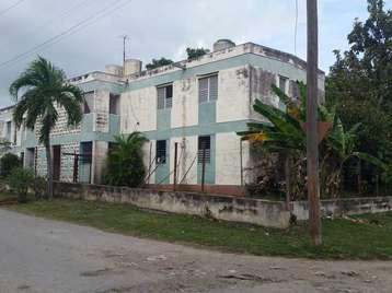 Apartamento en venta en Cienfuegos con  3 cuartos y 1 baño por 18.000,00$