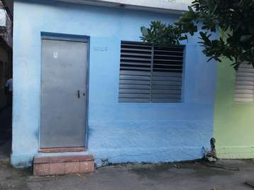 Casa en venta en Cienfuegos con  1 cuarto y 1 baño por 5.000,00$
