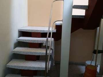 Escalera al segundo piso
