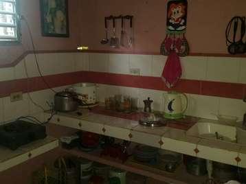 Casa en venta en Cienfuegos con  1 cuarto, 1 baño y 1 garaje por 25.000,00$