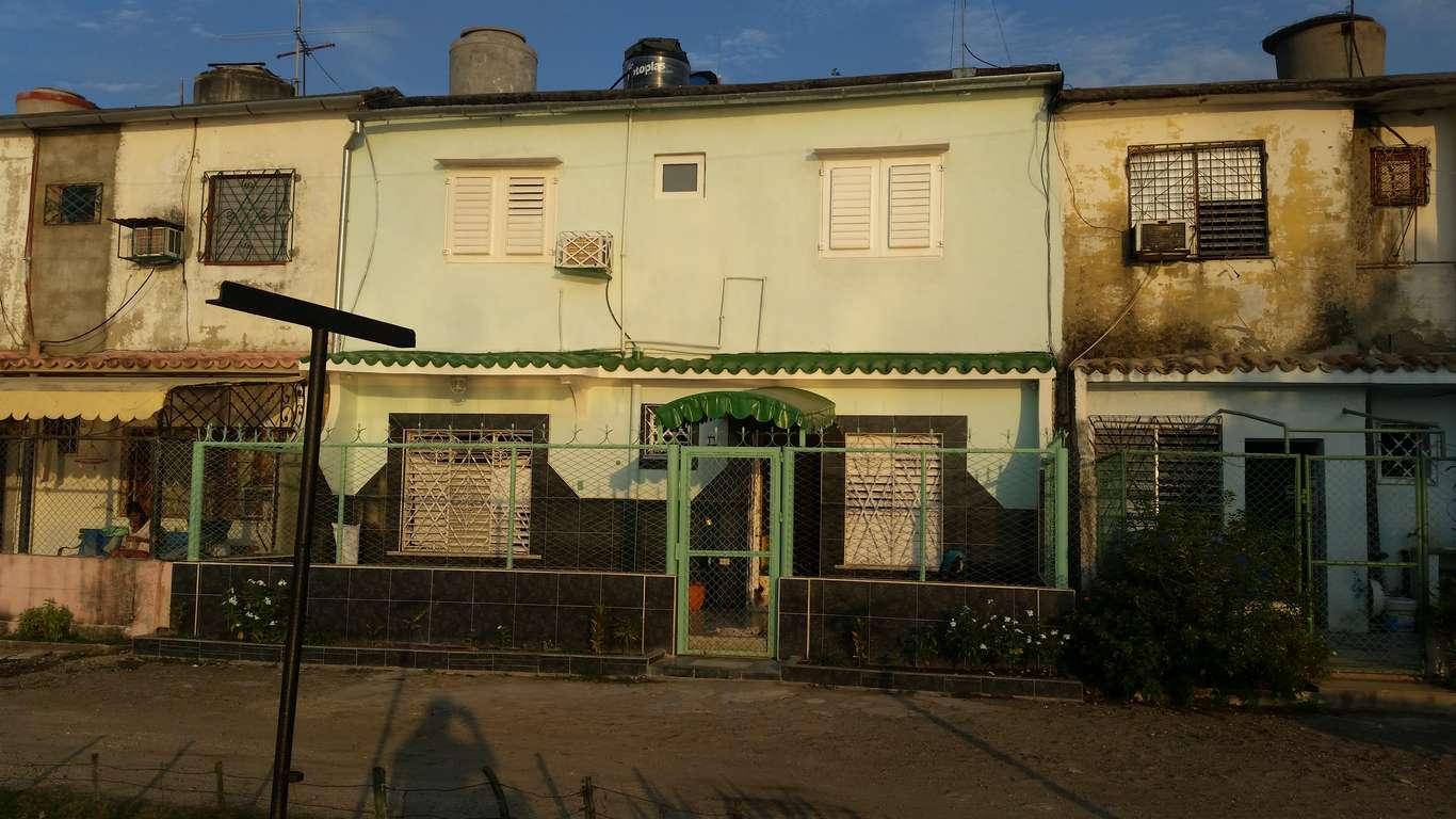 Apartamento en venta en Cienfuegos con  3 cuartos y 2 baños por $ 60.000