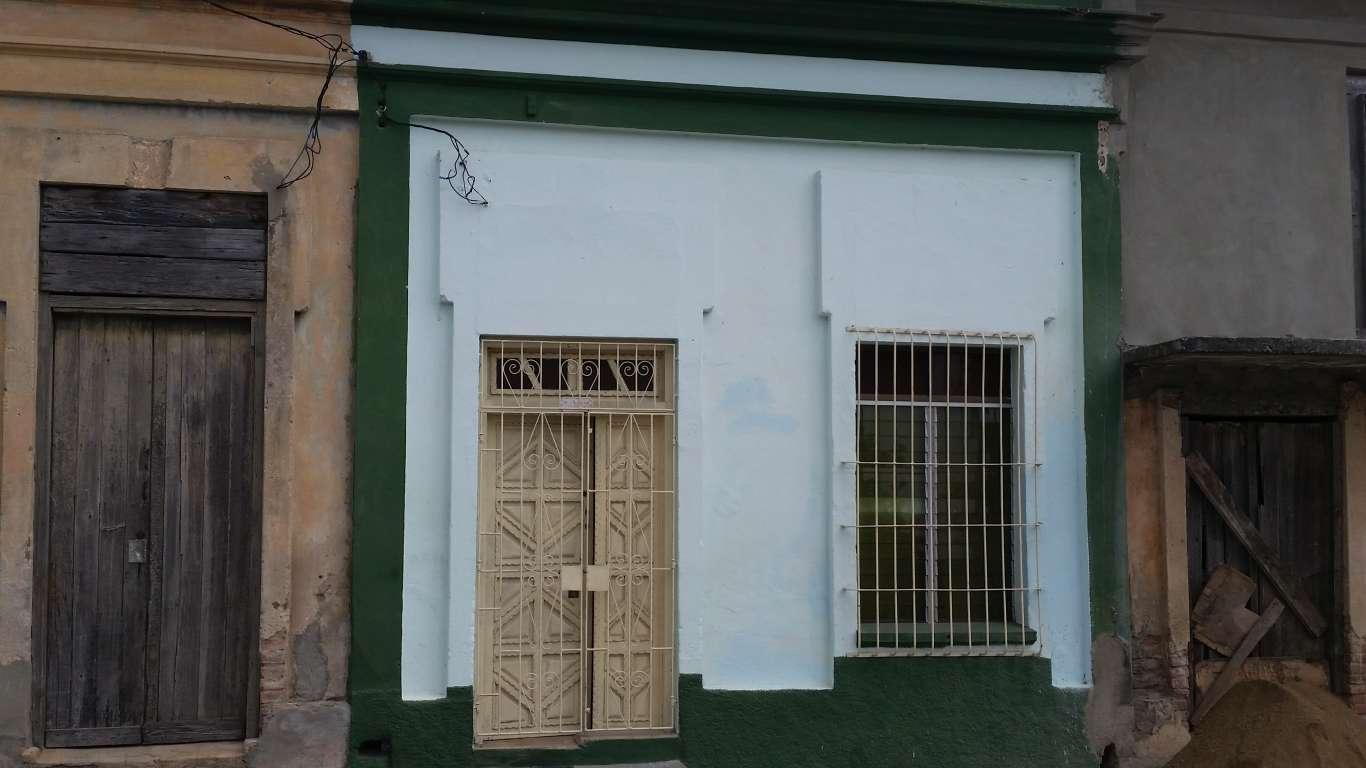 HEC589: Casa de 2 cuartos y 1 baño por $ 15.000 en Cienfuegos, Cienfuegos