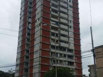 Apartamento en venta en Cienfuegos con  3 cuartos y 1 baño por 13.000,00$