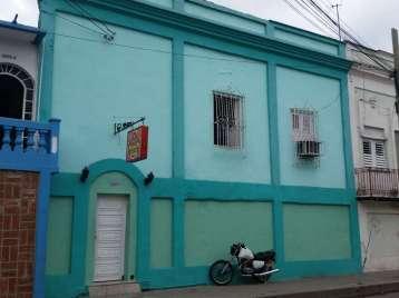 Casa en venta en Cienfuegos con  5 cuartos y 2 baños por 75.000,00$