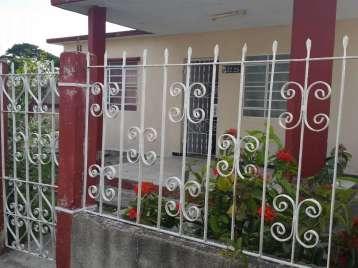 Casa en venta en Cienfuegos con  3 cuartos y 2 baños por 130.000,00$