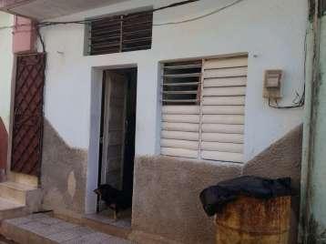 Casa en venta en Cienfuegos con  2 cuartos y 1 baño por 7.000,00$