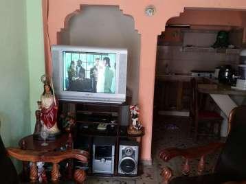 Casa en venta en Cienfuegos con  2 cuartos y 1 baño por 9.000,00$