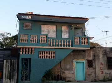 Casa en venta en Cienfuegos con  1 cuarto y 1 baño por 6.000,00$