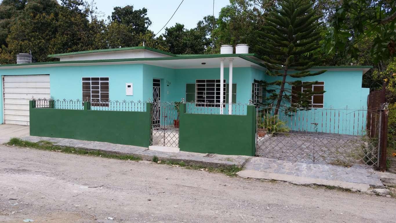 Casa en venta en Cienfuegos con  3 cuartos y 2 baños por $ 50.000