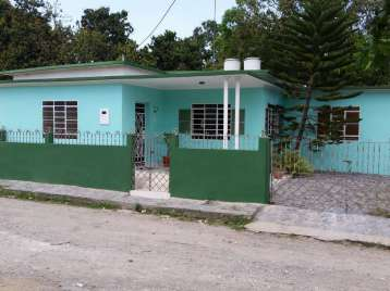 Casa en venta en Cienfuegos con  3 cuartos y 2 baños por $50,000