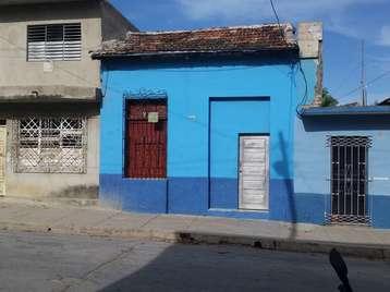 Casa en venta en Cienfuegos con  3 cuartos y 1 baño por 14.000,00$