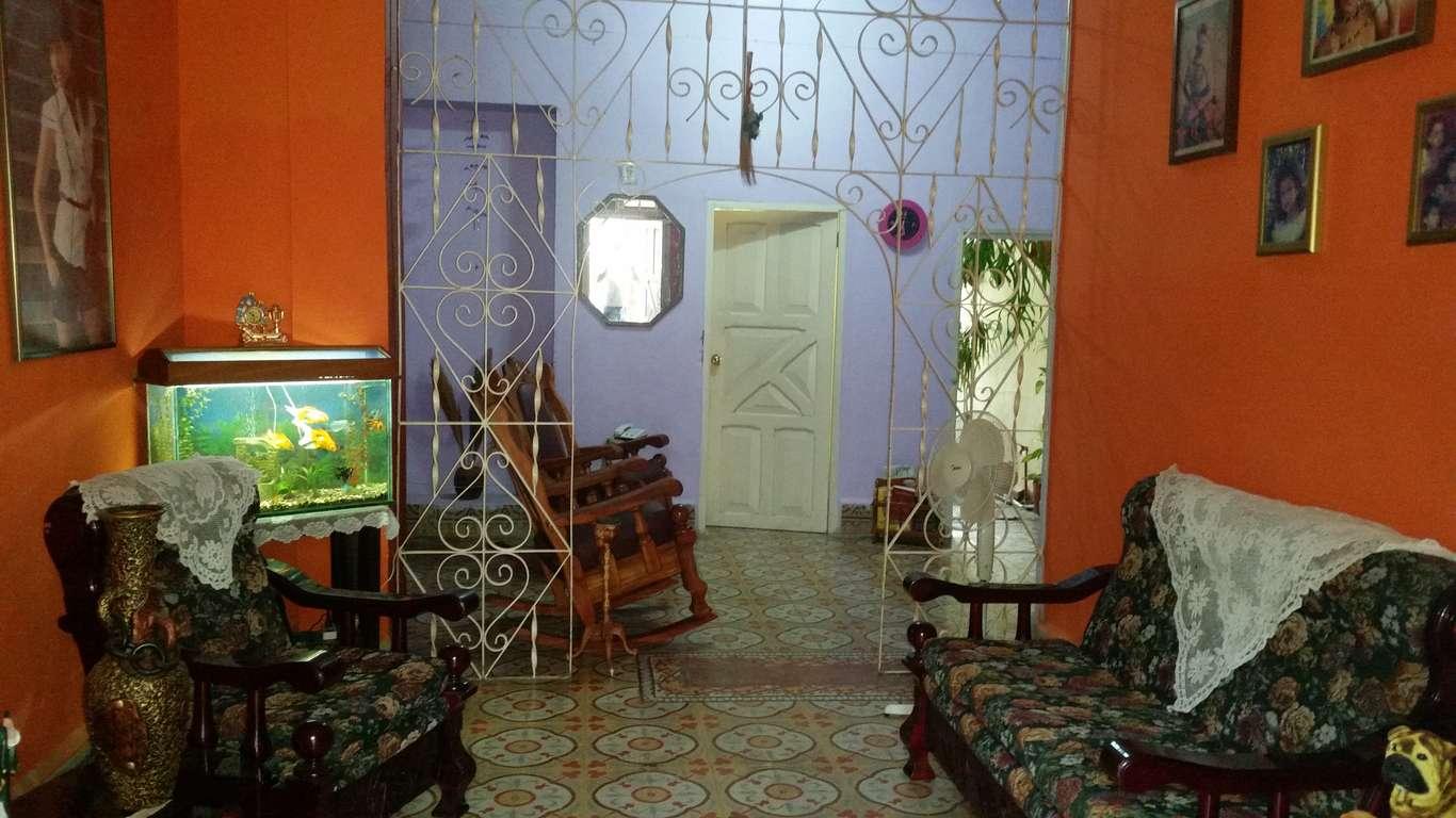 Casa en venta en Cienfuegos con  4 cuartos y 1 baño por $ 50.000