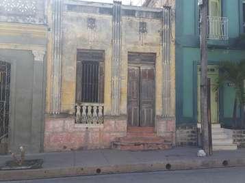 Casa en venta en Cienfuegos con  4 cuartos y 1 baño por 25.000,00$