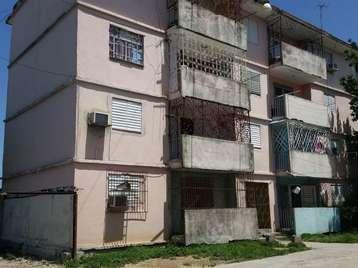 Apartamento en venta en Cienfuegos con  3 cuartos y 1 baño por 16.000,00$