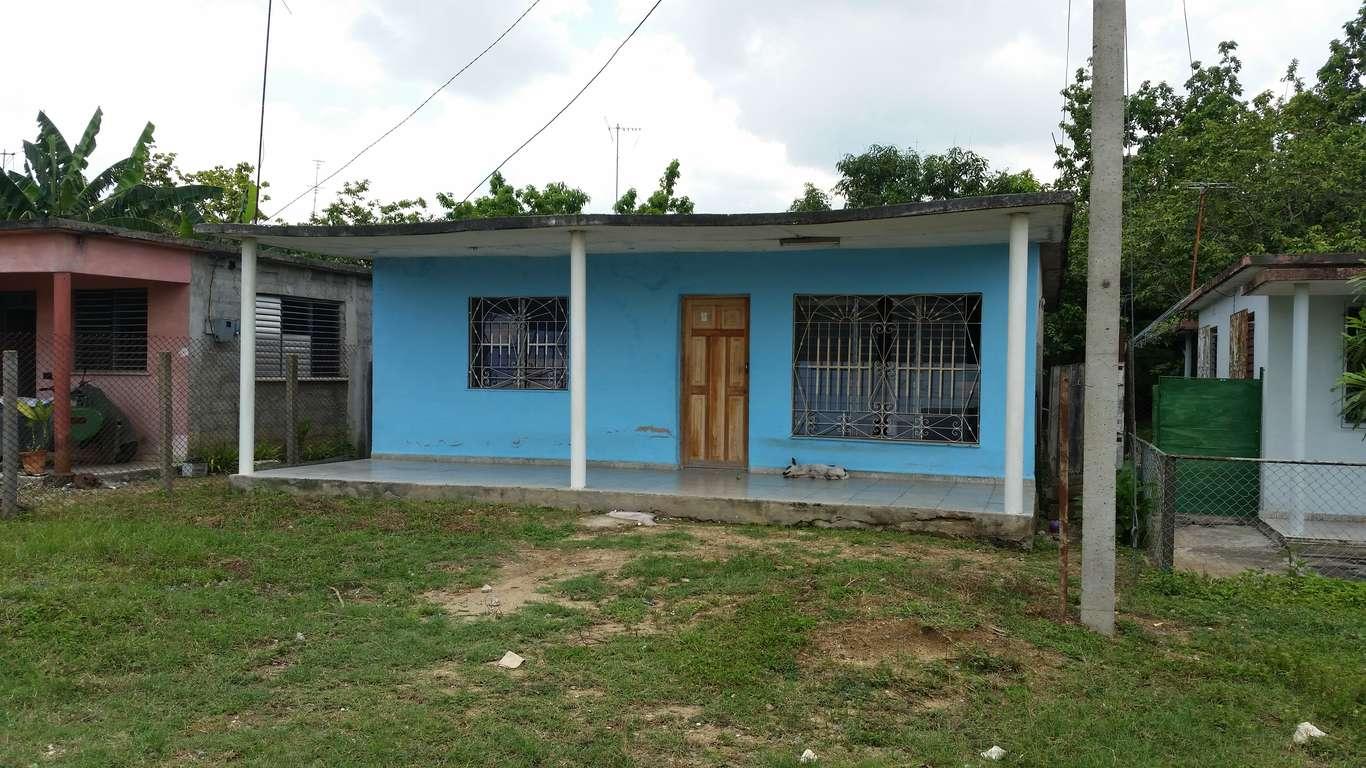 HEC677: Casa de 3 cuartos y 1 baño por $ 20.000 en Cienfuegos, Cienfuegos