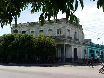 Casa en venta en Cienfuegos con  4 cuartos y 1 baño por 60.000,00$