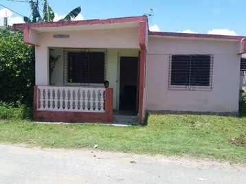 Casa en venta en Cienfuegos con  2 cuartos y 1 baño por 11.000,00$