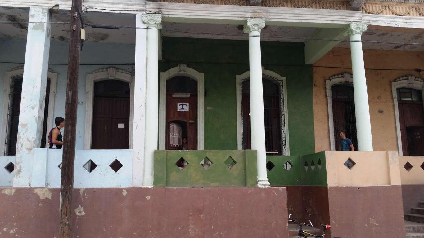 HEC690: Casa de 5 cuartos y 3 baños por $ 80.000 en Cienfuegos, Cienfuegos