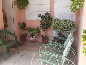 Casa en venta en Cienfuegos con  4 cuartos y 2 baños por 27.000,00$