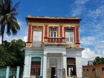 Casa en venta en Cienfuegos con  4 cuartos y 2 baños por 60.000,00$