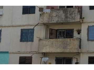 Apartamento en venta en Cienfuegos con  3 cuartos y 1 baño por 8.000,00$