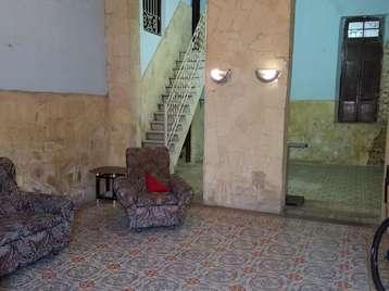 Casa en venta en Cienfuegos con  8 cuartos y 1 baño por 35.000,00$