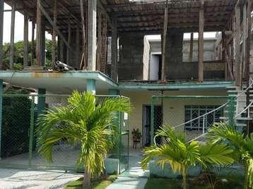 Casa en venta en Cienfuegos con  6 cuartos y 6 baños por 160.000,00$