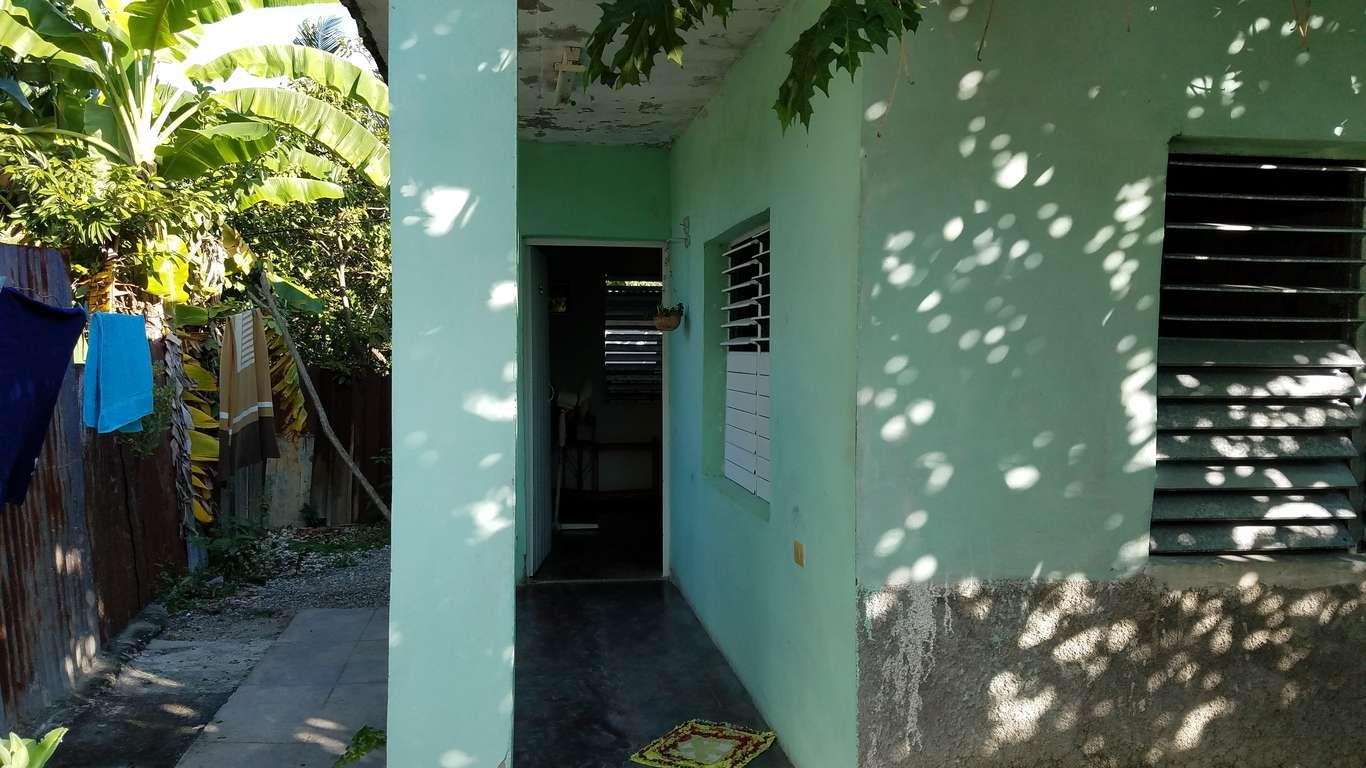 HEC754: Casa de 2 cuartos y 1 baño por $ 8.000 en Cienfuegos, Cienfuegos