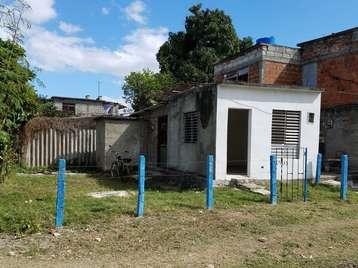 Casa en venta en Cienfuegos con  1 cuarto y 1 baño por $6,000