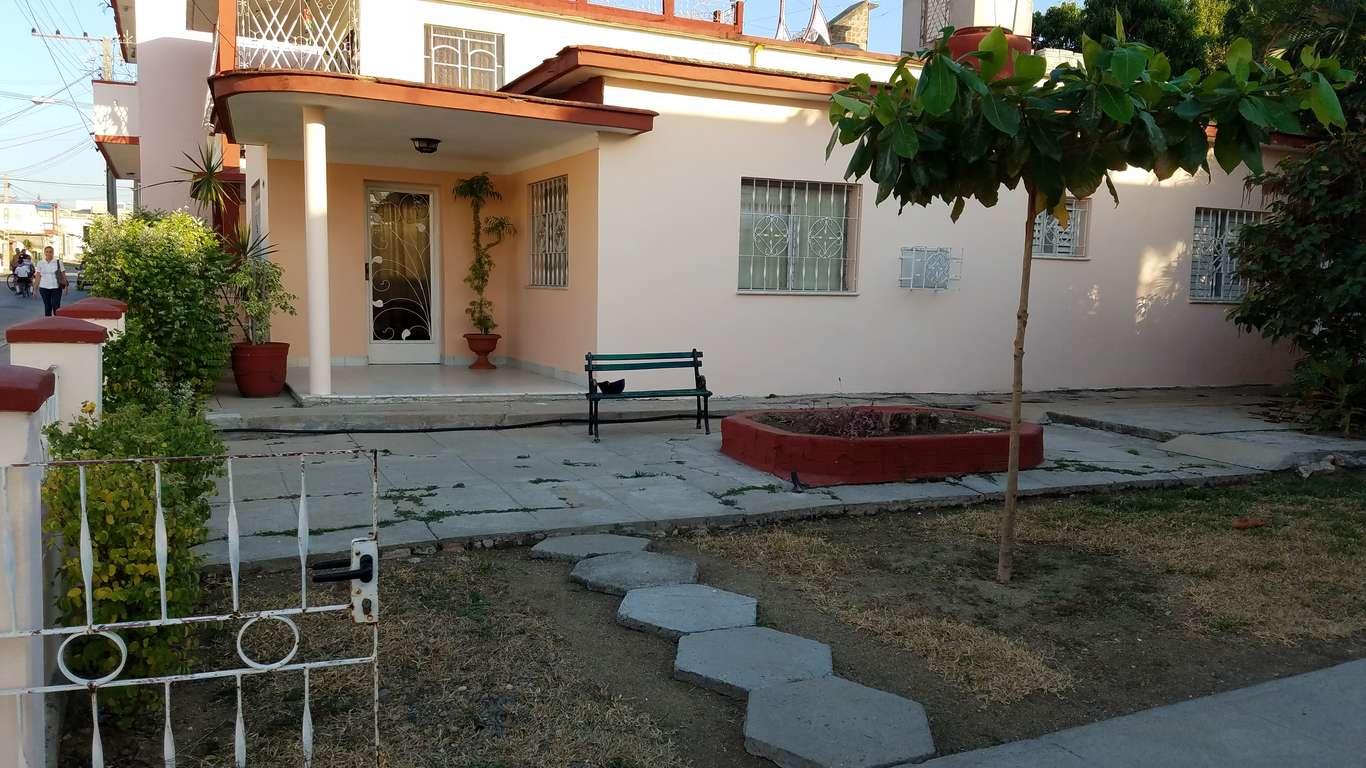 HEC787: Casa de 3 cuartos y 2 baños por $ 100.000 en Cienfuegos, Cienfuegos