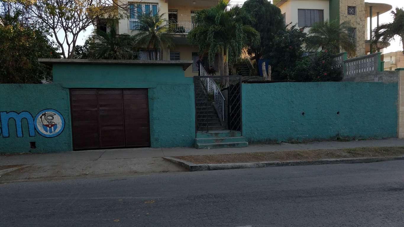Casa en venta en Cienfuegos con  3 cuartos y 1 baño por $ 80.000