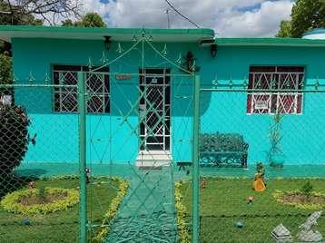 Casa en venta en Cienfuegos con  3 cuartos y 3 baños por $135,000