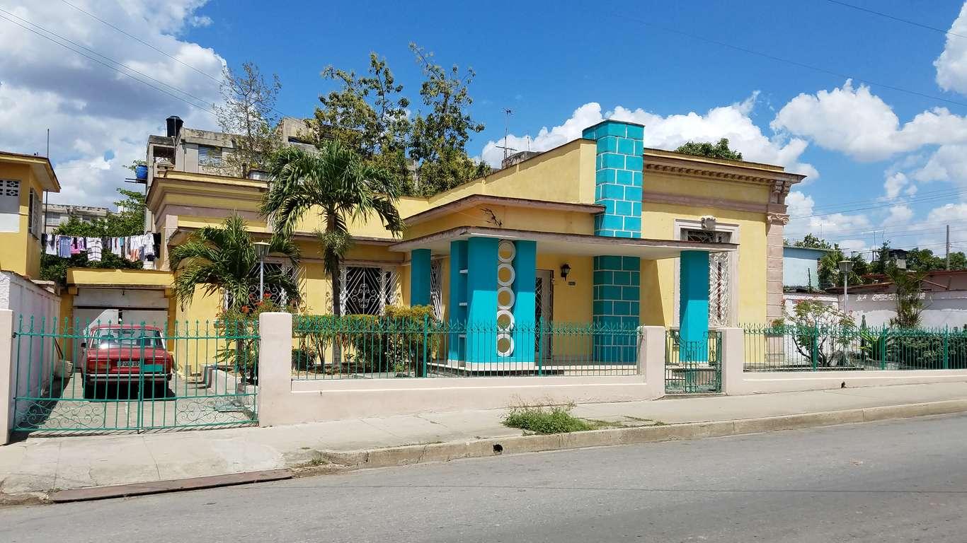 HEC805: Casa de 5 cuartos, 4 baños y 1 garaje por $ 95.000 en Cienfuegos, Cienfuegos