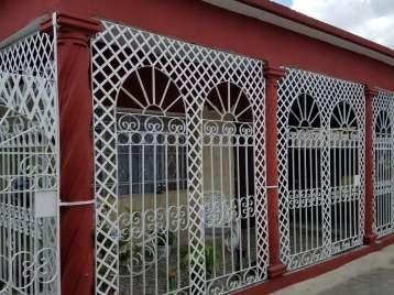 Casa en venta en Cienfuegos con  3 cuartos y 2 baños por 85.000,00$